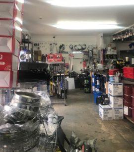 Fondo de comercio a la venta en Miami-Negocio de partes y respuestos de camiones.