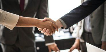 Proceso de compra y venta de transacciones comerciales en Miami