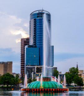 Venta de negocios y propiedades comerciales en Orlando, Florida.